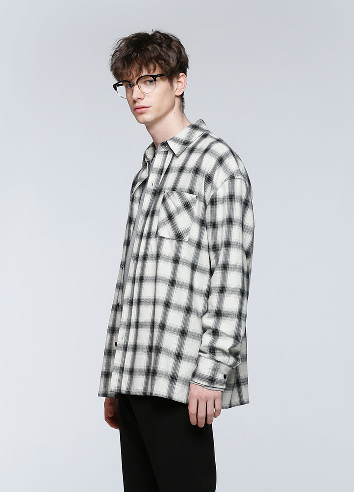GLEAM OVERSIZED CHECK SHIRTS[IVORY]