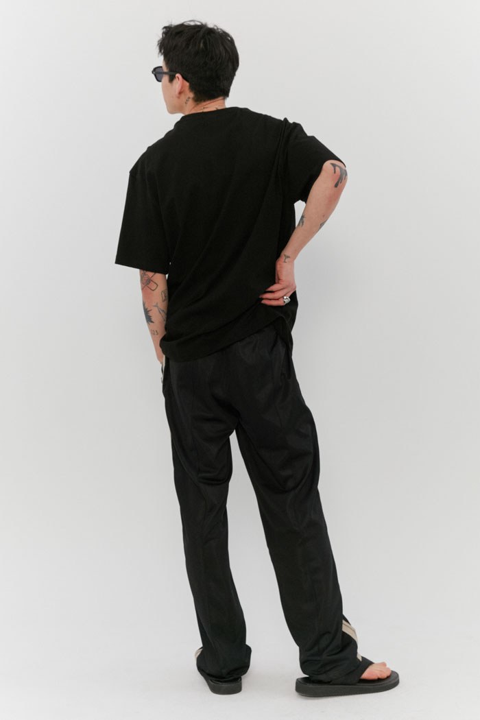 LABEL POCKET TEE[BLACK]