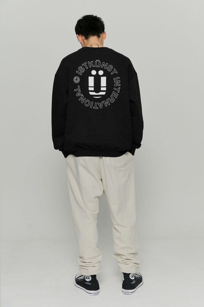 INT LOGO SWEATSHIRTS[BLACK]