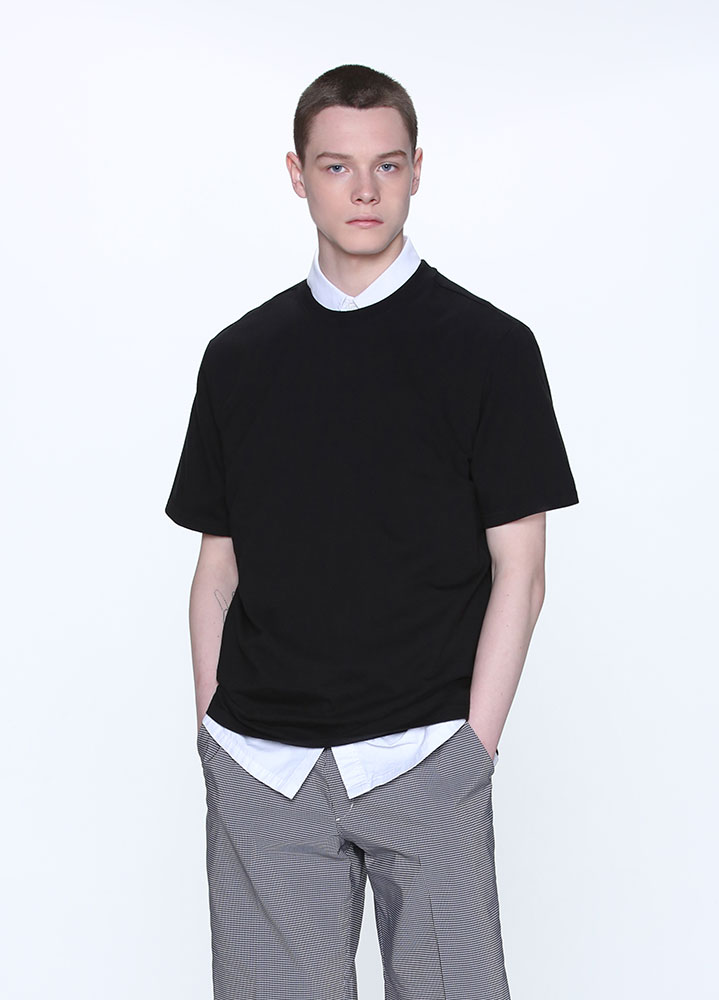 LONG REGULAR FIT SHORT TSHIRT[BLACK]