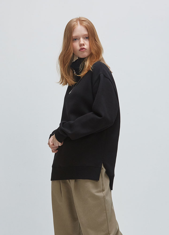 TURTLENECK SWEATSHIRT[BLACK]
