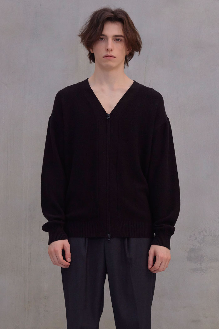 KNIT ZIPPERED CARDIGAN[BLACK]