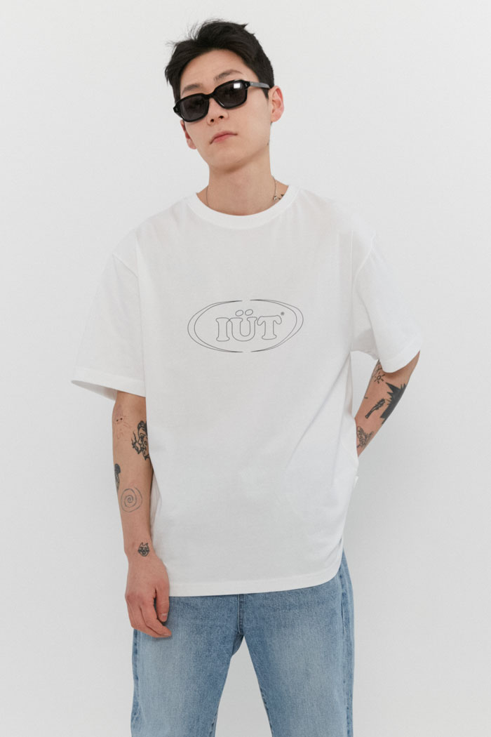 OUTLINE OVAL LOGO TEE[WHITE]