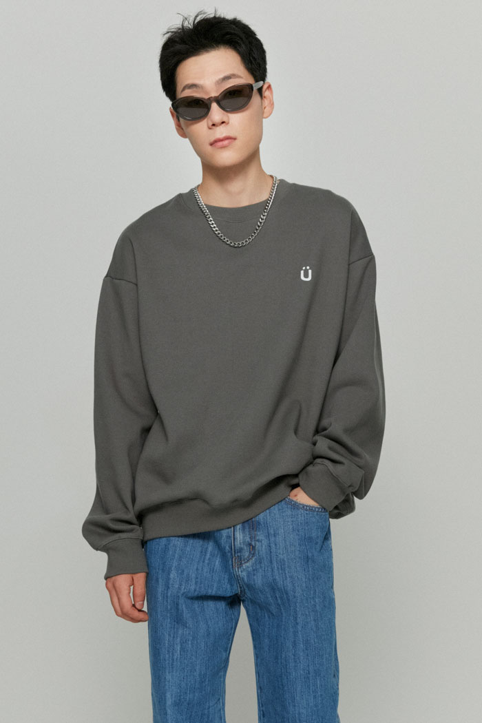 U LOGO SWEATSHIRTS[BLACK]